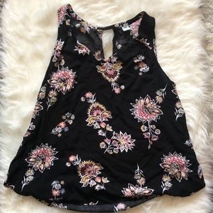 Old navy floral tank 🌺 XL